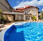 Отдых с бассейном в Гурзуфе